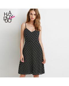 Søt kjole med skulderstropper og A-line skjørt.