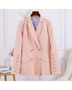 Lys rosa langermet blazer med dobbeltspente knapper og lommer