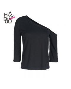 Trendy svart langermet t-skjorte med skrå krage