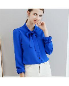 Trendy langermet skjorte med sløyfe og knapper.