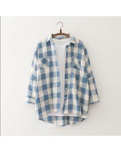 Trendy langermet rutete skjorte med krage og lommer.